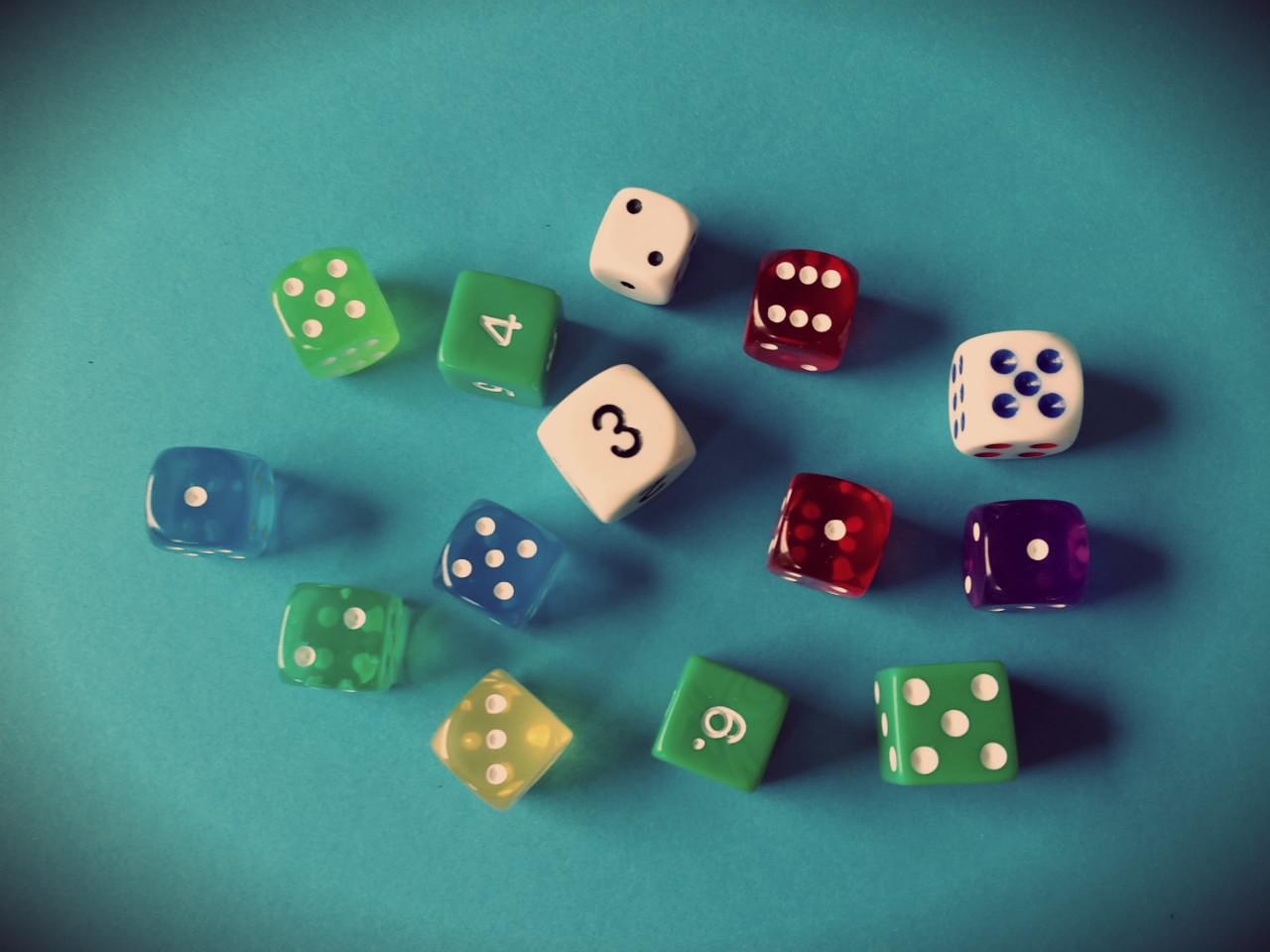 standardowe kostki do gry
