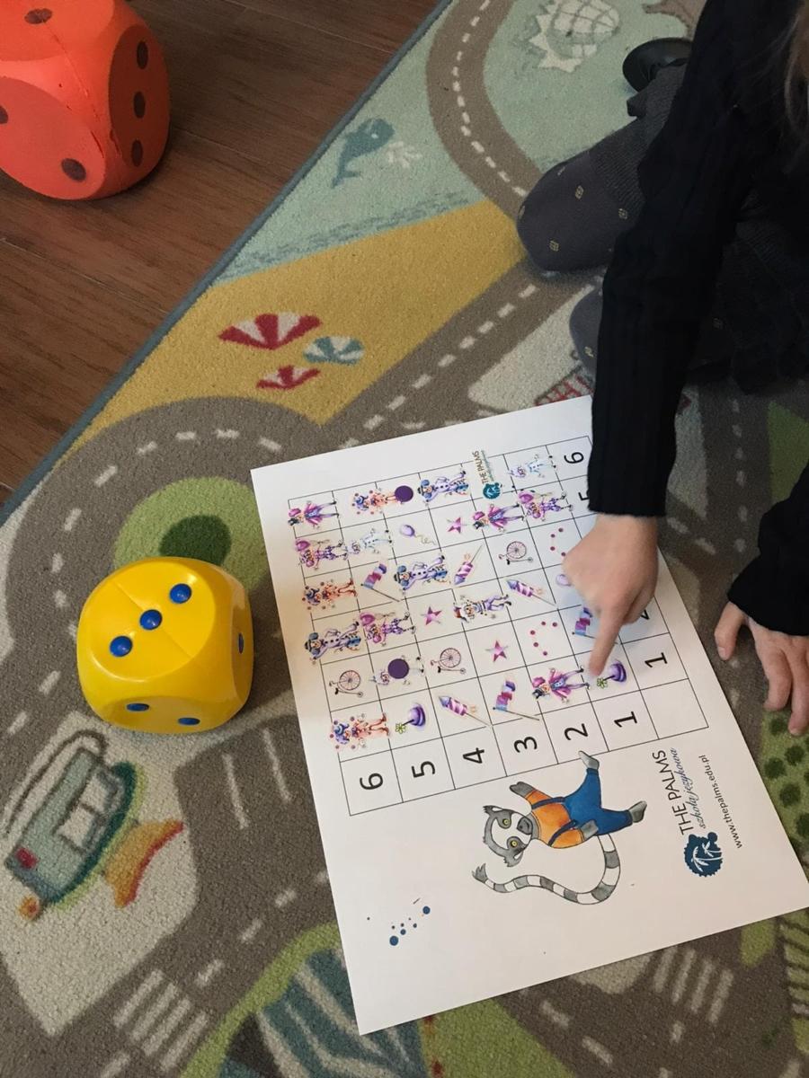 Szablon do naklejkowej gry językowej na dwie kości